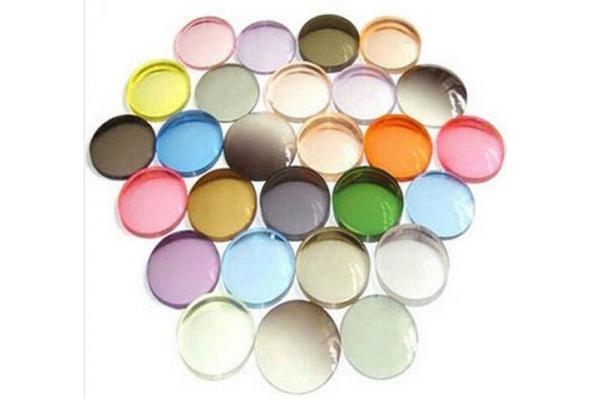 Soczewki okularowe przeciwsłoneczne barwione organiczne